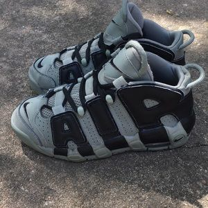 Nike Air More Uptempo GS Dark Stucco Size 5Y=6.5